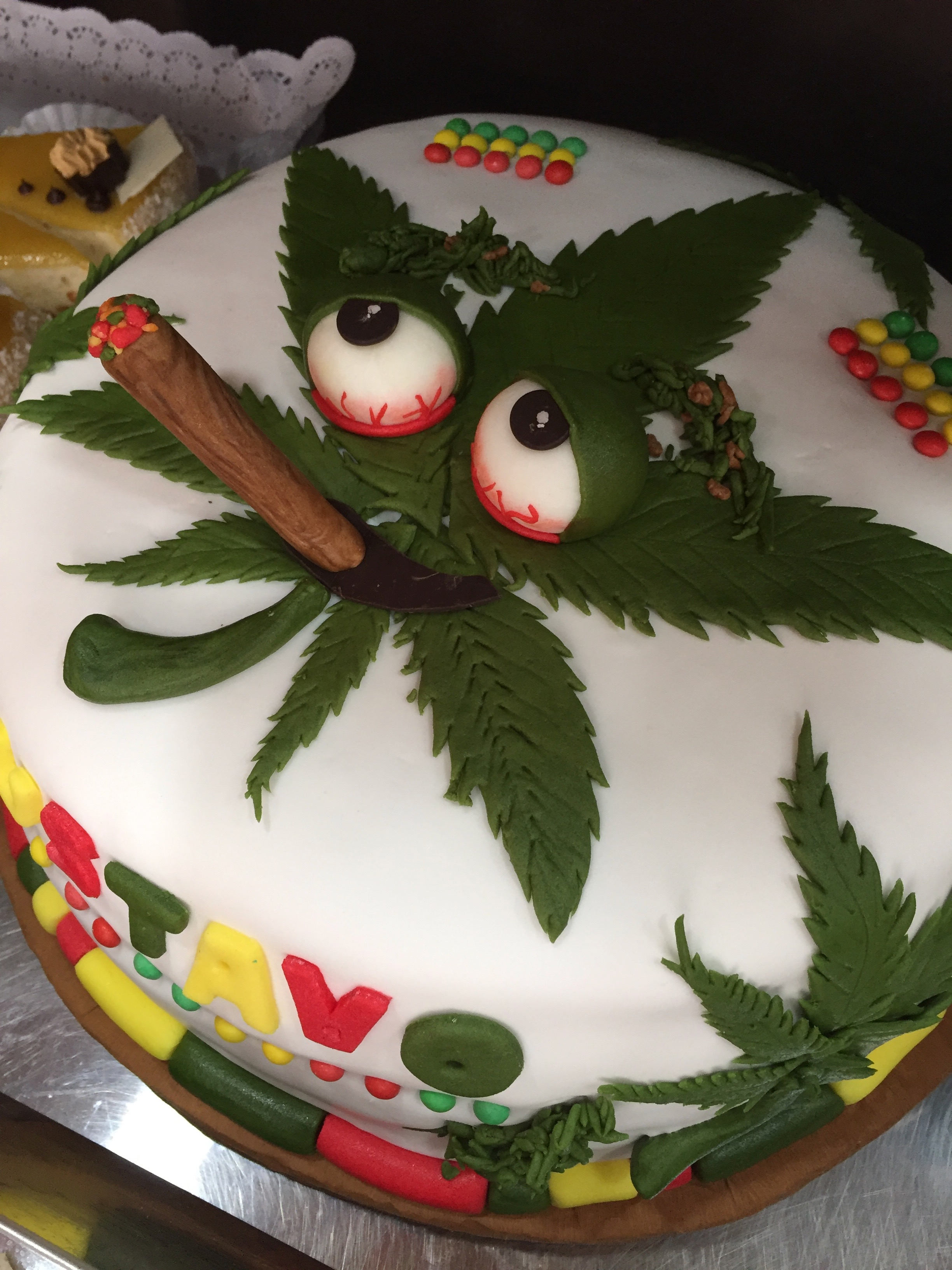 Torta Fondant Marihuana